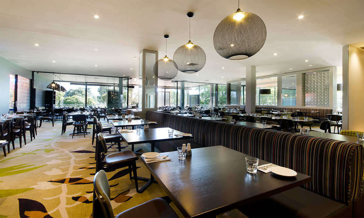 STEEPLES MORNINGTON-INSIDE DINING